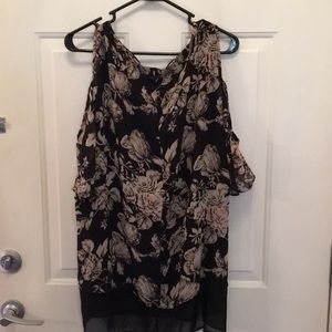 Torrid black floral size 2 (XL) cold shoulder